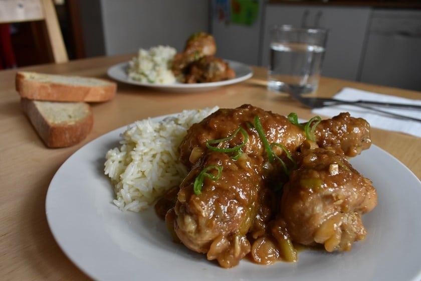 muslos de pollo con cerveza con limón y arroz basmati