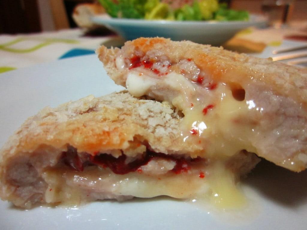 San Jacobos de lomo con piquillos y mucho queso horno